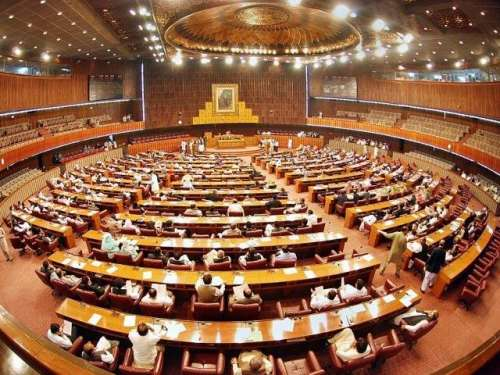اسلام آباد : قومی اسمبلی میں ..