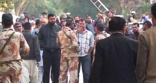 کراچی : ایک گھنٹے دوران دستی ..