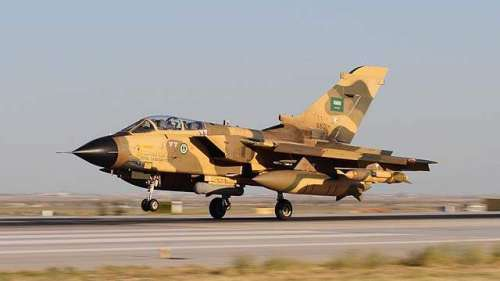 یمن میں سعودی طیاروں کی بمباری ..