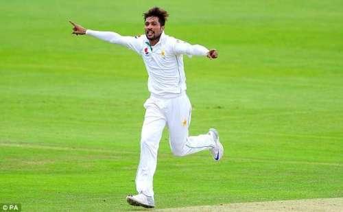 محمد عامر انگلش کاؤنٹی کے اگلے ..