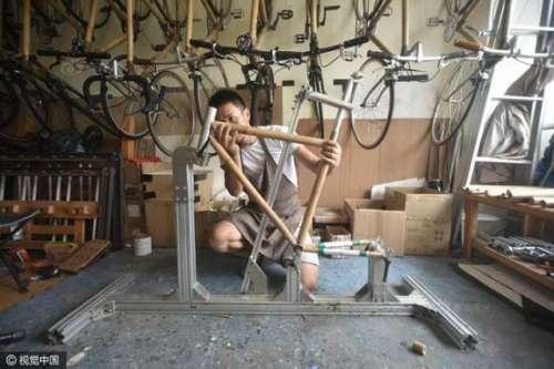 دو دوستوں نے بانس کی سائیکل بنا ..