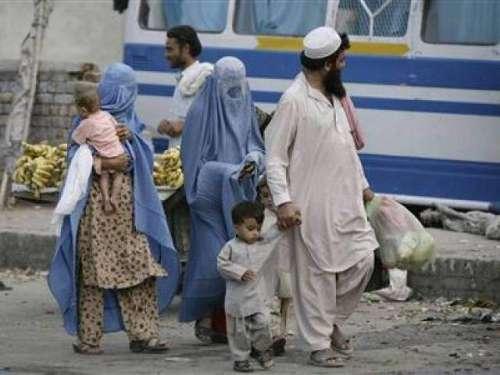 افغان مہاجرین وطن واپسی کے بجائے ..