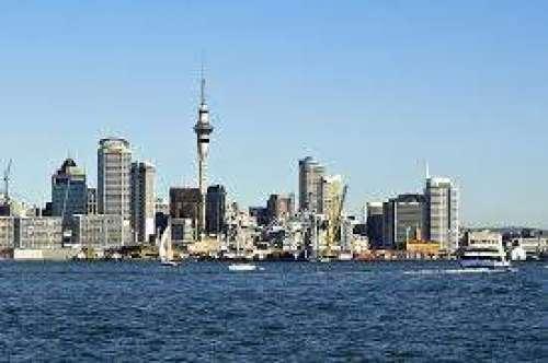 نیوزی لینڈ میں سینکڑوں محصور ..