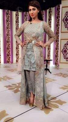 فلمسٹار ثناء کل کراچی سے لاہور ..