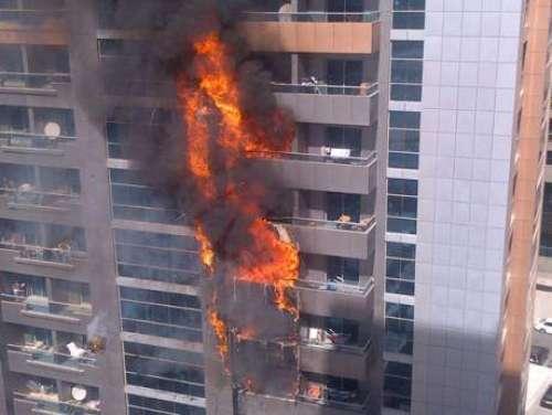 دبئی کی رہائشی عمارت آگ کی لپیٹ ..