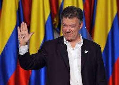 کولمبیا کے صدر جان مینوئل سینتوس ..