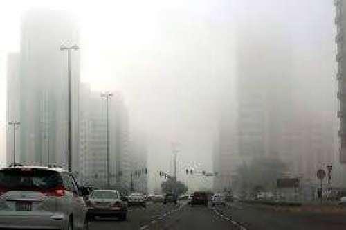 دبئی: دھند کی وجہ سے صبح سویر ..