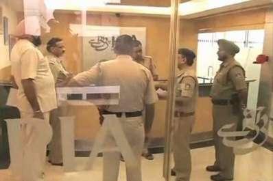 نئی دہلی: پی آئی اے کے دفتر پر انتہا پسندوں کا ..