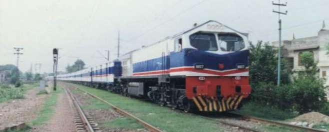 حیدرآباد، ویگن ٹرین کی زد میں آگئی،11افراد جاں بحق، ہلاکتوں میں اضافے ..