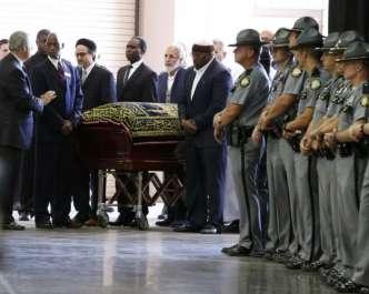 عظیم باکسر محمد علی کی نماز جنازہ کیلیفورنیا ..