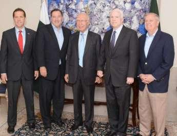 امریکی کانگریس کی آرمڈ سروسز کمیٹی کے چیئرمین ..