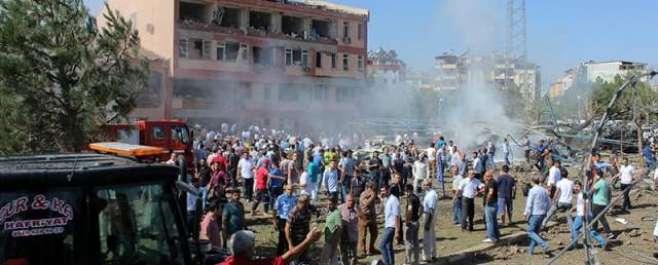ترکی میں دو کار بم دھماکوں میں 6 افراد ہلاک اور 120 زخمی ہوگئے'ہلاکتوں ..