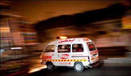 کراچی:کنیز فاطمہ سوسائٹی میں ٹریفک پولیس کی گاڑی ..