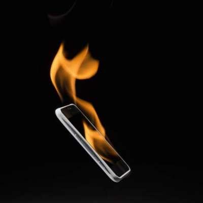 ایپل کے آئی فون نے ایک شخص کی جان لے لی۔
