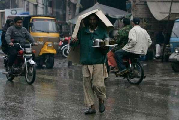 پشاور میں موسلادھار بارش کے بعد سیلاب کی صورتحال، پانی گھروں میں داخل