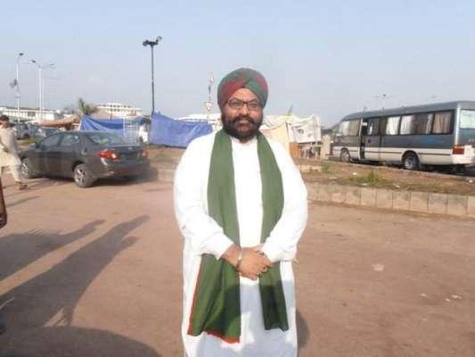 پشاور ،ون وے کی خلاف ورزی پر وزیر اعلیٰ کے مشیر سورن سنگھ کا 200روپے کا ..