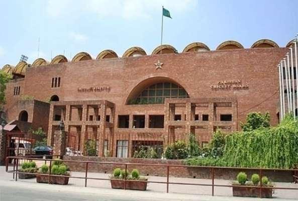 پاکستان کرکٹ ٹیم کے منیجر انتخاب عالم نے ایشیا کپ میں بنگلہ دیش کے خلاف ..