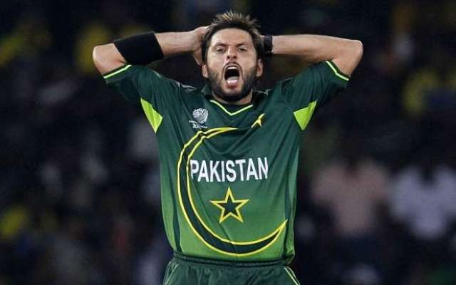 ٹی ٹونٹی میچ میں بھارت کی حمائت میں بیان بازی کرنے پر پاکستانی ٹیم کے ..