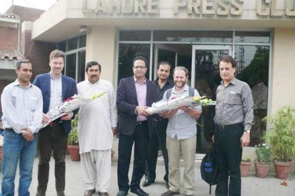 لاہور پریس کلب اورفریڈم نیٹ ورک کے درمیان صحافیوں کی ٹریننگ ورکشاپس ..
