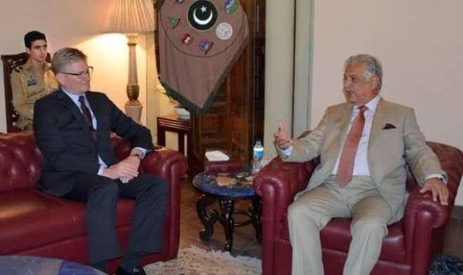 پشاور میں تعینات امریکی قونصل جنرل اور قونصلیت میں اکنامک چیف کی گورنر ..