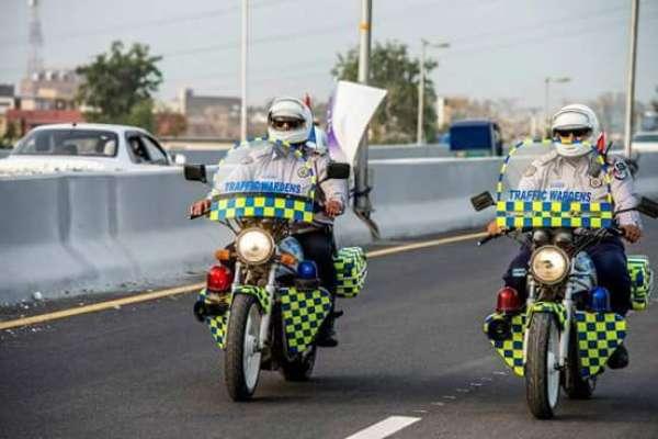 پشاور: ون وے کی خلاف روزی پر سائیکل سوار کا چالان کر دیا گیا