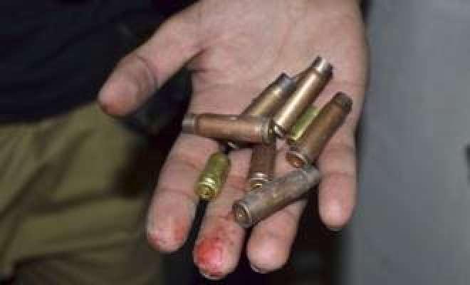 پشاور ،علی خیل میں دو گروپوں کے درمیان فائرنگ دو خواتین سمیت پانچ افراد ..