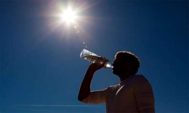 شدید گرمی میں شہری بلا ضرورت تیز دھوپ میں باہر نہ نکلیں، ماہرین طب