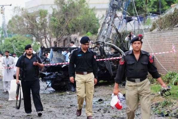 پشاور دھماکہ، ہلاک ہونے والے تینوں افراد خودکش حملہ آور تھے، دھماکے ..