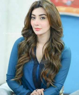 عائشہ خان کی بیٹی کیساتھ مدّت بعد ویڈیوز وائرل