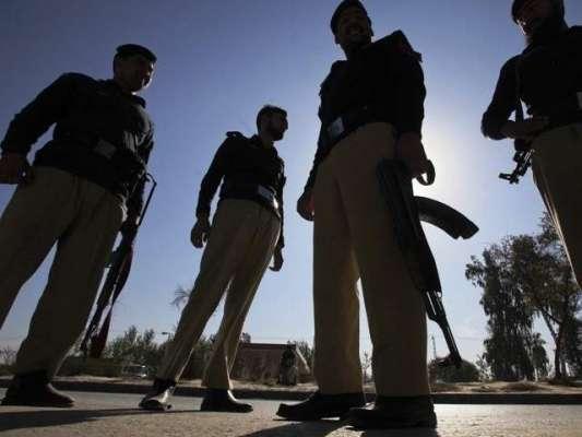 کوئٹہ : بلوچستان میں امن و امان کی صورتحال کے پیش نظر پولیس اہلکاروں ..