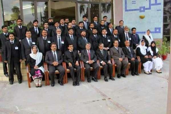 اسلام آباد ہائی کورٹ کے وکلاء نے گائون پہننے کی ہدایت پر عمل در آمد ..