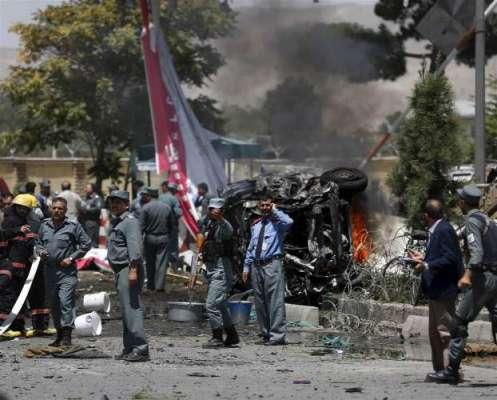 افغا ن دارالحکومت کابل میں سیکیورٹی فورسز کی گاڑی کے قریب خودکش دھماکے ..