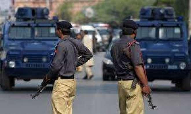 کراچی پولیس کی مختلف علاقوں میں کارروائیاں، 4 ملزمان گرفتار،اسلحہ ..