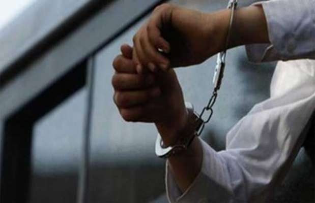 کراچی میں پولیس کی کارروائی ،اغوا کار پولیس افسر سمیت 9 ملزمان گرفتار