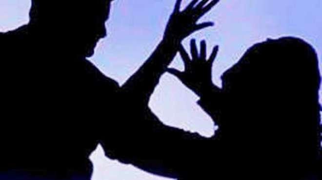 شجاع آباد ،ْمبینہ زیادتی کا شکار لڑکی کی تھانہ چوک پر پولیس سٹیشن ..