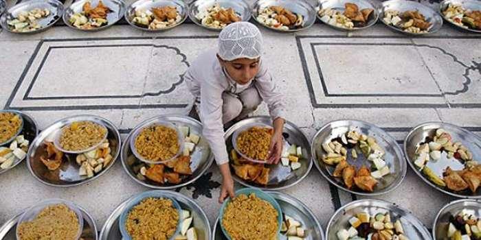 سحر و افطار کے وقت مرغن، تلی ہوئی اور دیر ہضم غذاؤں سے پرہیز کیا جائے' حکماء کا مشوعہ