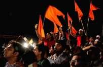 بھارتی پولیس نے پاکستانی برانڈز کے کپڑے جلانے کے الزام میں انتہا پسند ..