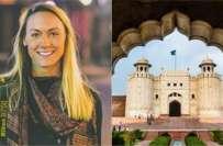 دنیا کے 196 ممالک کا دورہ کرنے والی دنیا کی واحد خاتون نے پاکستان کو دنیا ..