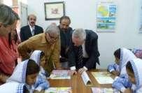 پنجاب حکومت نے حکومت رواں سال سوا پانچ لاکھ بچوں کو مفت کتابیں دے گی'43 ..