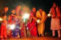 ہندو برادری اپنا مذہبی تہوار ''دیوالی'' (پرسوں )بھر پور انداز سے ..