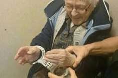 99 سالہ عورت نے گرفتار ہو کر اپنی زندگی کی آخری خواہش بھی پوری کرلی