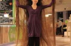 حقیقی زندگی کی روپانزل کے بال 7 فٹ سے بھی لمبے ہیں