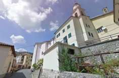 اطالوی گاؤں کے میئر نے  گاؤں میں آنے والے رہائشیوں کو 2 ہزار یورو دینے ..