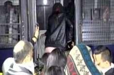 پولیس نے فارم ہائوس پر منعقدہ ڈانس پارٹی پر چھاپہ مار کر با اثرخاندانوں ..