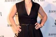کیٹ ونسلیٹ ہولی وڈ اداکارہ کا ایوارڈ لے اڑیں
