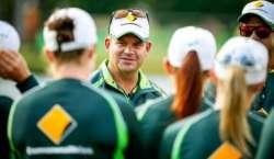 آسٹریلوی ویمنزکرکٹ ٹیم کے کوچ میتھیوماٹ کے معاہدے میں3 برس کی تجدید ..