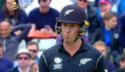 چیمئنز ٹرافی کا دوسرا میچ، نیوزی لینڈ نے آسٹریلیا کو 292 رنز کا ہدف دے ..