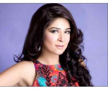 عائشہ عمر نے لباس، رنگت، جسم سے متعلق تبصرے کرنیوالوں کو بلاک ،رپورٹ ..