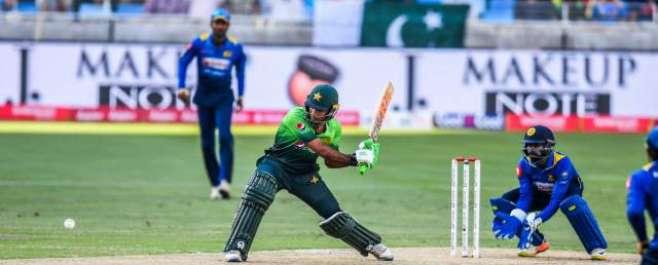 پہلا ون ڈے ، پاکستان نے سری لنکا کو جیت کے لیے 293رنز کا ہدف دیدیا