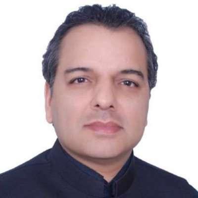 صوبائی وزیر مراد راس کا گورنمنٹ بوائز ہائی سکول148/9-Lساہیوال میں طالبعلم ..